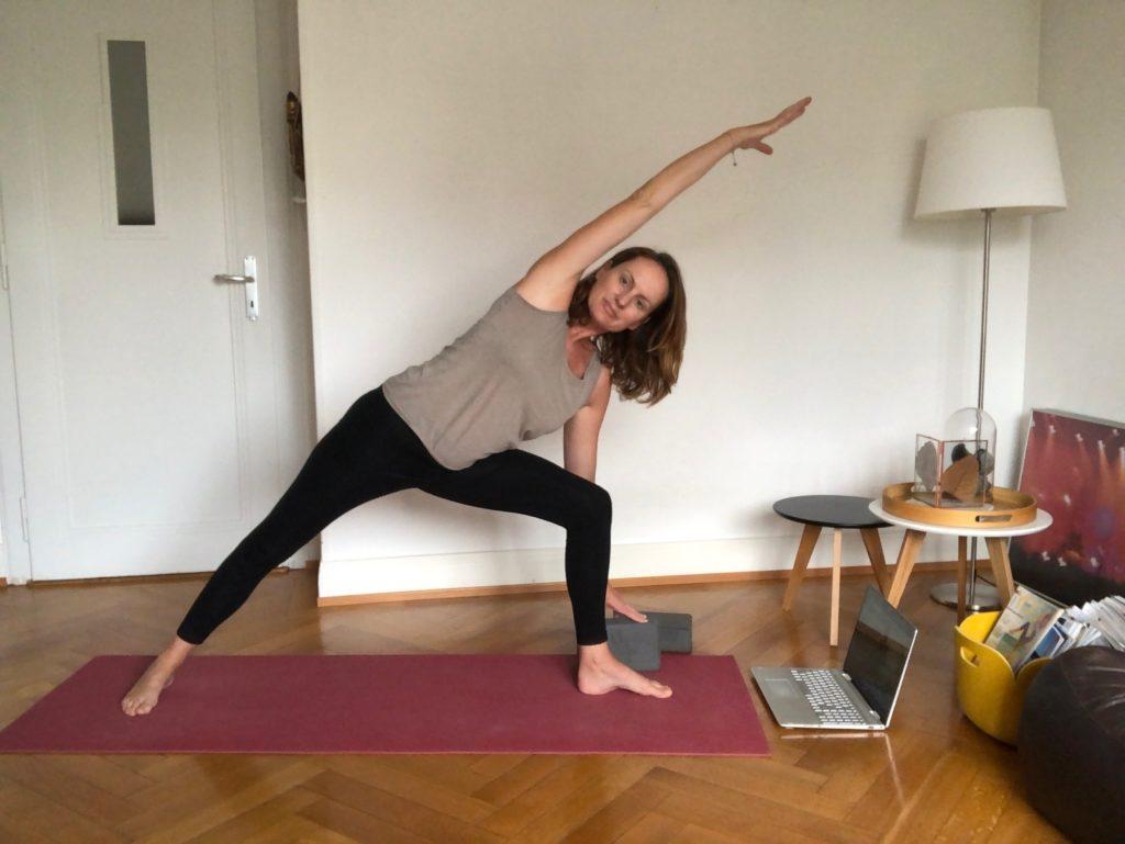 cours de yoga sur zoom à lausanne